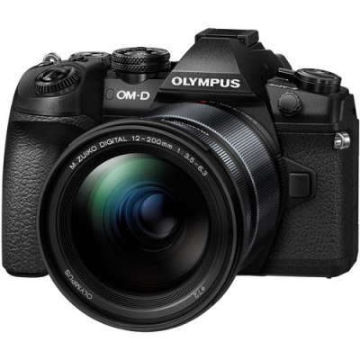OLYMPUS E-M1 II WITH 12-200MM LENS BUNDLE