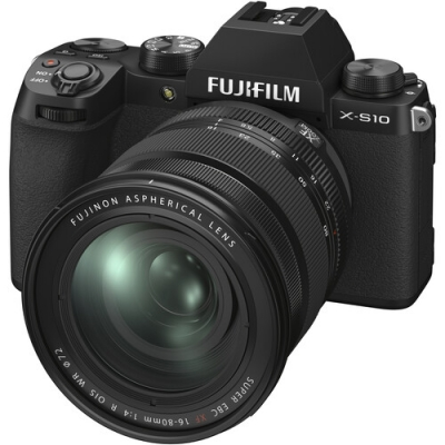 FUJIFILM X-S10 Mirrorless Kit w/XF 16-80mm f4 R OIS WR Lens